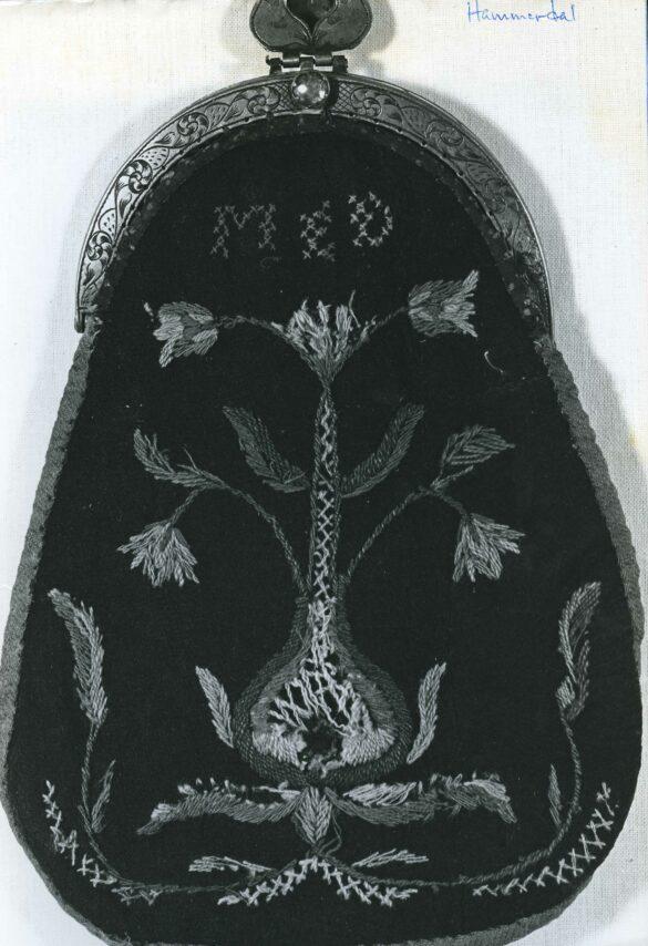 Hammerdals sockendräkt kjolväska foto