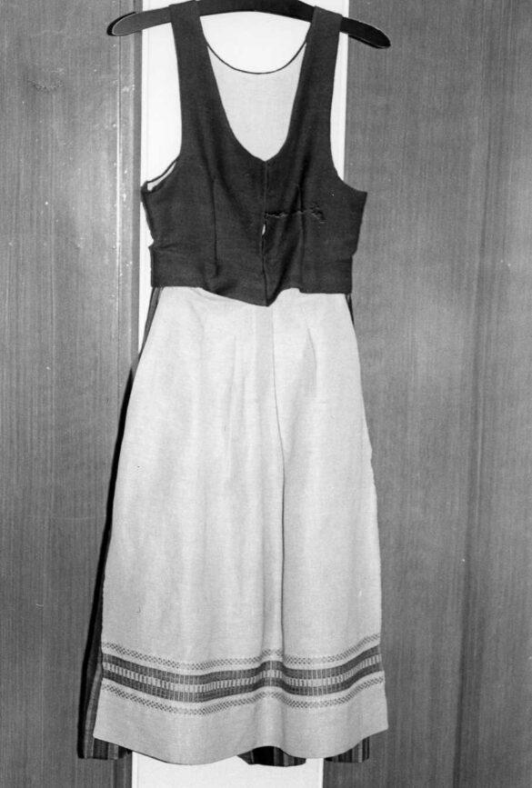 Undersåker sockendräkt foto förkläde
