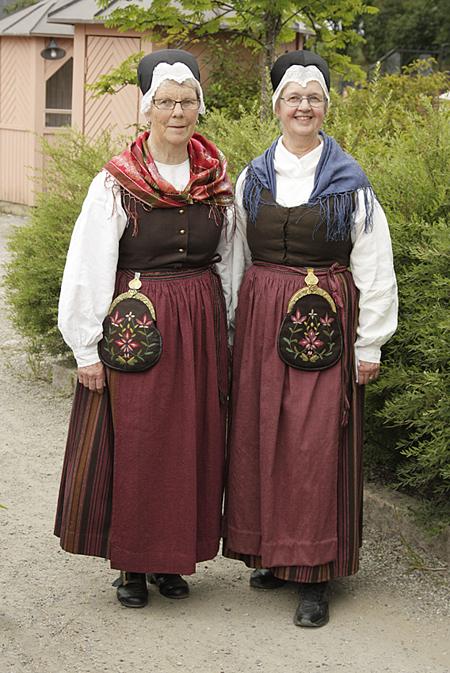 Åredräkten - Anna-Greta Sjödin & Karin Bark.