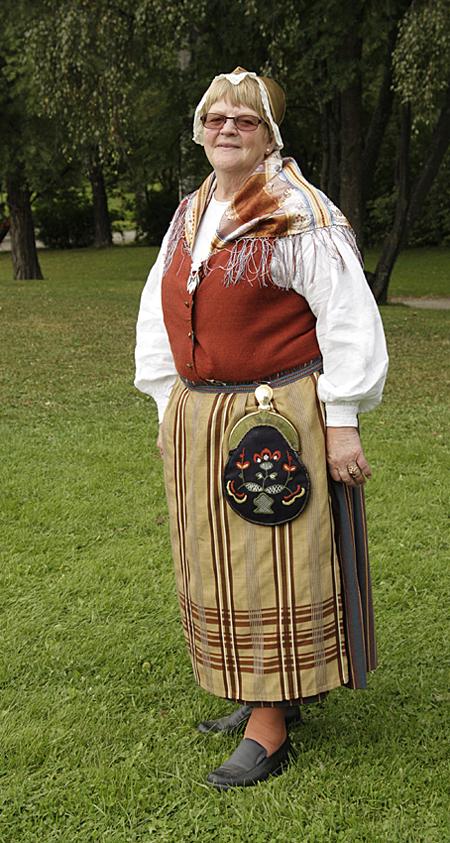 Mattmar sockendräkt buren av Margit Hallström