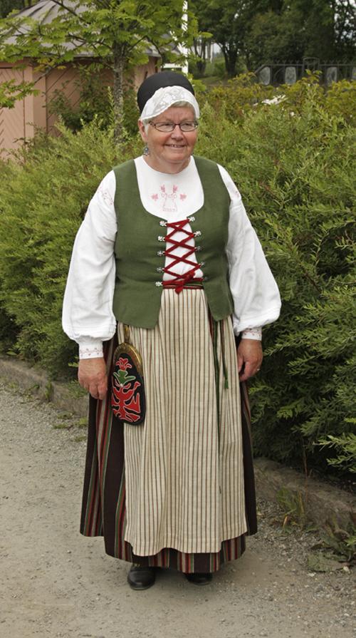 Ragunda sockendräkt på bilden Ulla-Greta Lövgren Olofsson